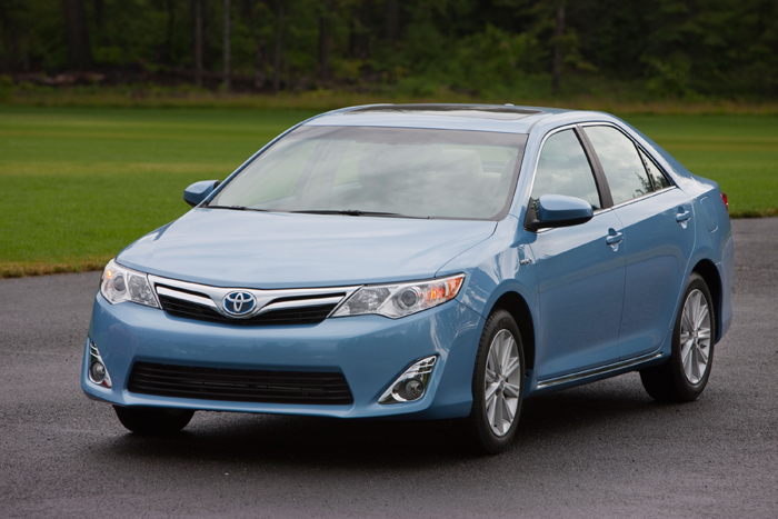 2012_Toyota_Camry_Hybrid_700x467