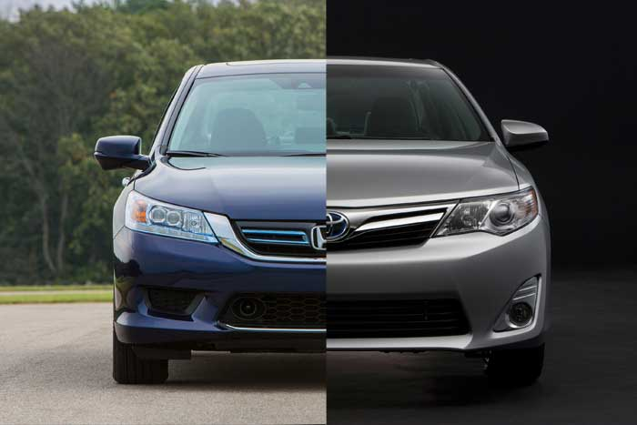 Accord_vs_CamryHybrid_700x467C