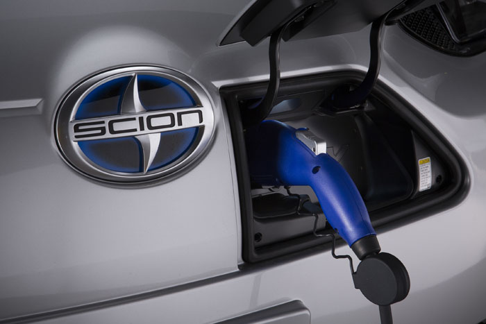 2014 Scion iQ EV Image Gallery