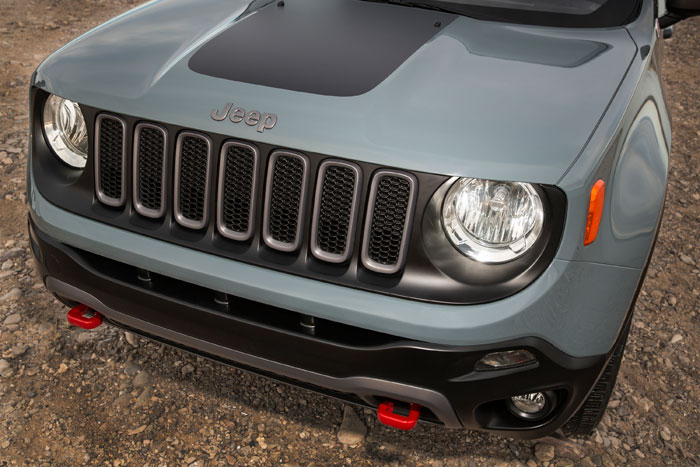 2015-Jeep-Renegade-Front-End-700x467