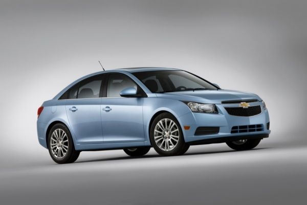 2013-Chevrolet-CruzeECO-005-medium.jpg