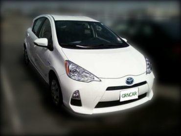 Toyota2012PriusC_blurred_grncar_460.jpg