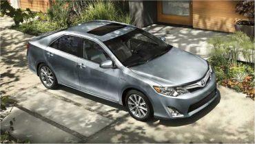 Toyota_2012_Camry_Hybrid_XLE_Exterior_675x383C.jpg